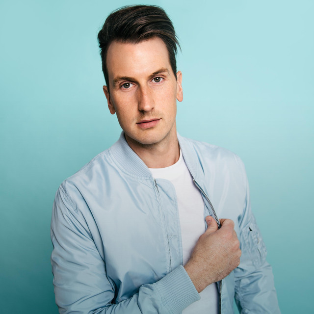 A photo of Russell Dickerson